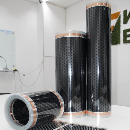 Инфракрасный пленочный теплый пол EASTEC 220W в интерьере
